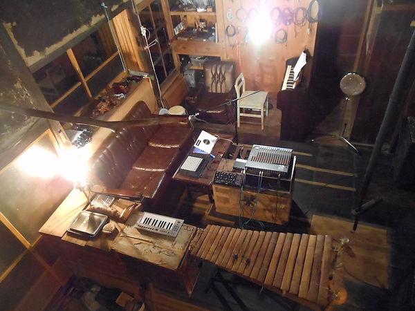 O to & studio