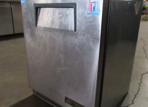 "True TUC-24-HC 24"" W Undercounter Refrigerator"