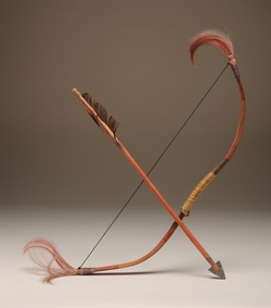 1998.04.111 a-c Toy Bow & Arrows