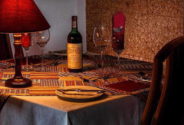 dinner-table-444797_1280.jpg