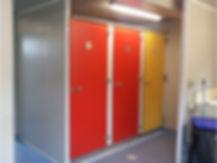 cabines sanitaires stratifié compact HPL, cabine polirey-sanitary cabin-sanitärkabinen