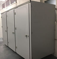 cabines_sanitaires_phénoliques-sanitary cabin -sanitärkabinen