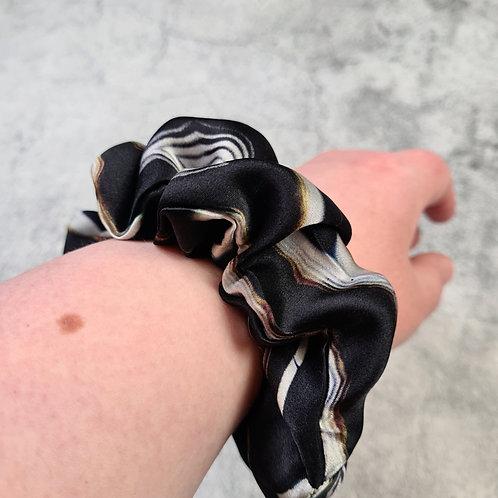 GNEISS - Oversized 100% Silk Scrunchie