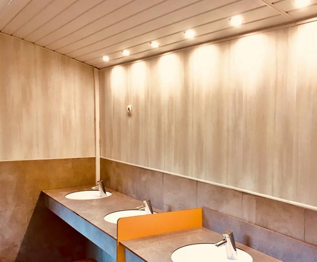 Espace lavabos