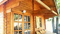 L'Orée de Provence, Camping nature en Drôme provençale, situé à deux pas du Mont Ventoux, vous accueille dans un site naturel d'exception et vous propose des hébergements insolites au coeur de la pinède. Gîtes ou cottage, maisonnette ou chalet, l'ensemble de nos locatifs offre un grand confort et vous permettent de profiter de la nature et de la région alentours. En 2016, nouveautés avec des hébergements insolites: de nouveaux chalets avec une terrasse sur pilotis pour passer ses vacances seul au monde.