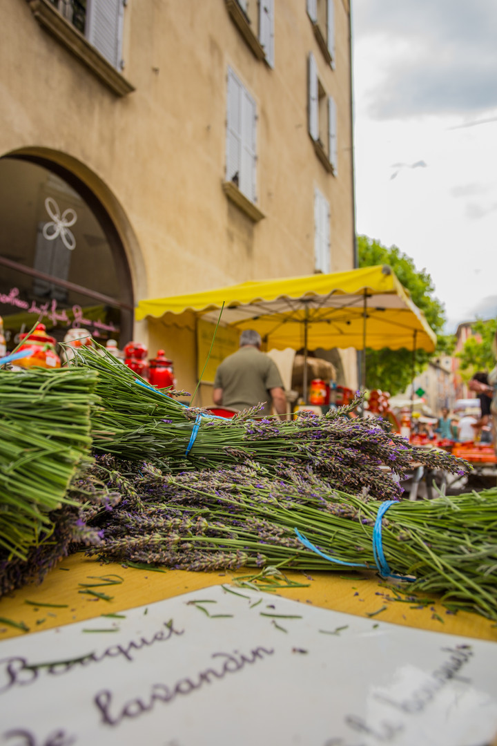 Le marché de Nyons