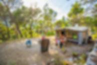 L'Orée de Provence, Camping nature en Drôme provençale, situé à deux pas du Mont Ventoux, vous accueille dans un site naturel d'exception et vous propose emplacements de camping pour tentes et caravanes. Les emplacements son spacieux, sans vis à vis et offrent tous les équipements d'un camping trois étoiles. Un camping à petit prix en pleine nature, pour toute la famille!