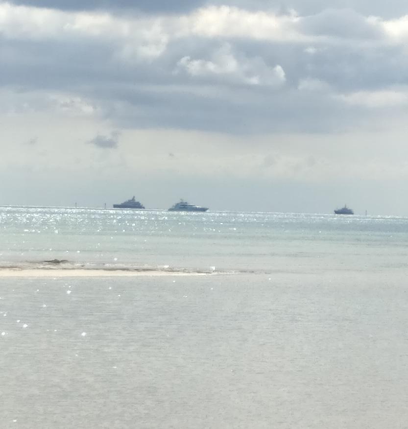 new yacht pics exiting the Bahamas_edited