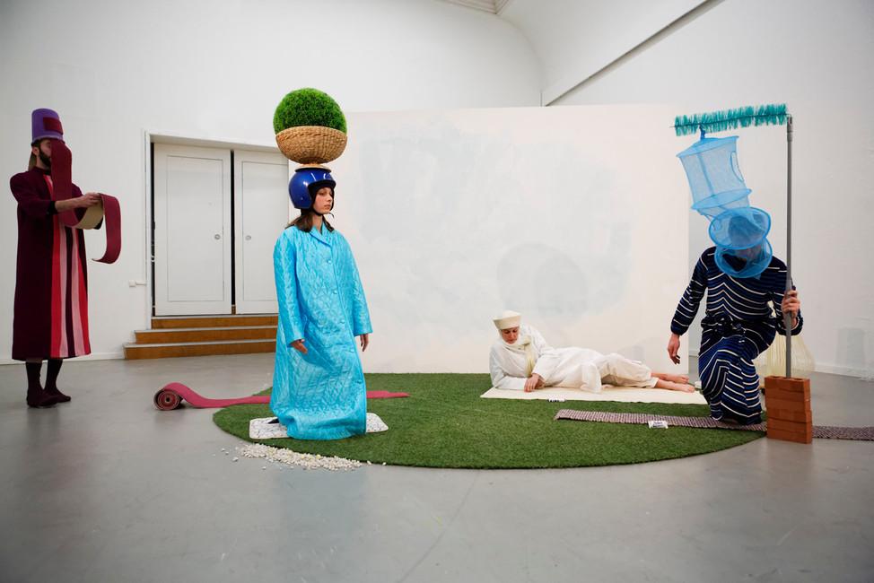 PARADE/PROMENADE:Episode, Oshin Albrecht & Melissa Mabesoone, photo by Thomas Lenden