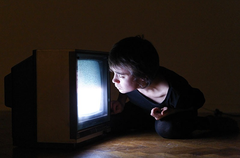 Isabelle Schiltz - Head Down / TV
