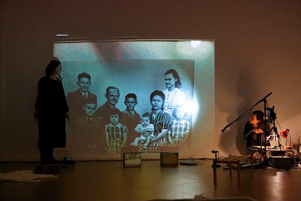 Nina Boas and Nathalie Spoor - Installation, drawing, performance, photo by Thomas Lenden