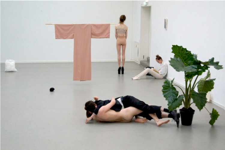 Object of desire, a piece by seven individuals representing human attempts of hope and fear, Nina Wijnmaalen
