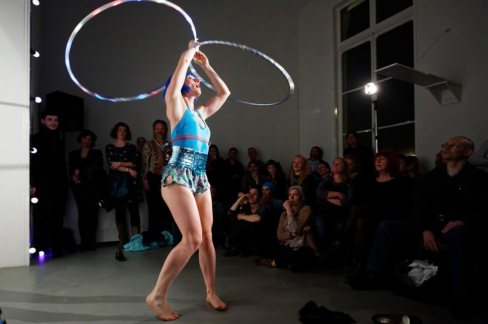 Strip-tease, Alice Pons, photo by Thomas Lenden