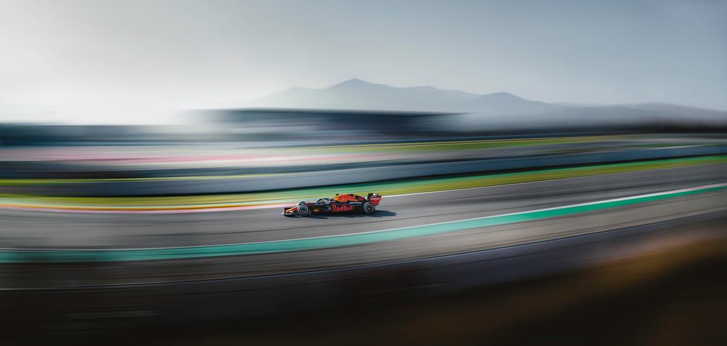 red-bull-racing-f1-max-verstappen-2020.j