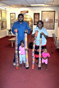 Didgeridoo and didjeridu