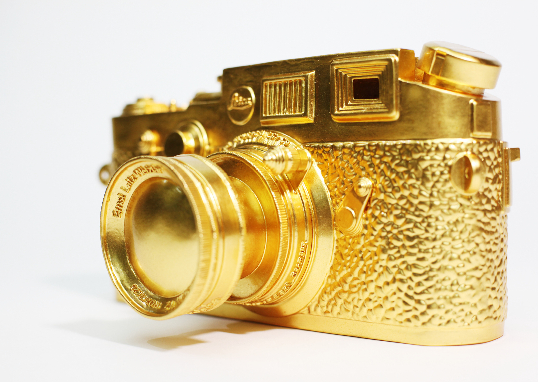 Liao Yibai, Super Leica