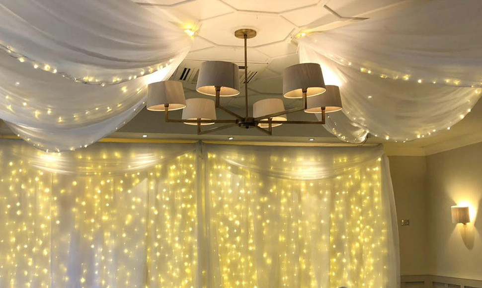 Give the Evelyn Suite that elegant finish by adding Draping & fairylights.   6 pointed star £550