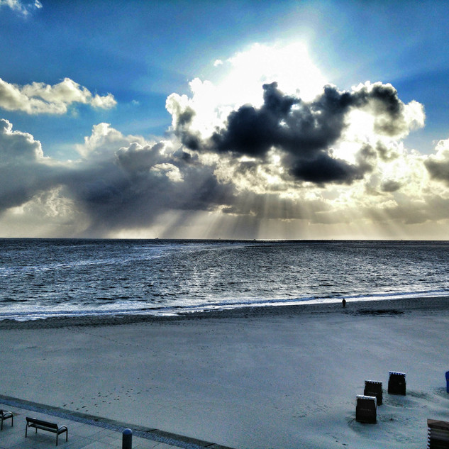 Sun, beach, sea, clouds