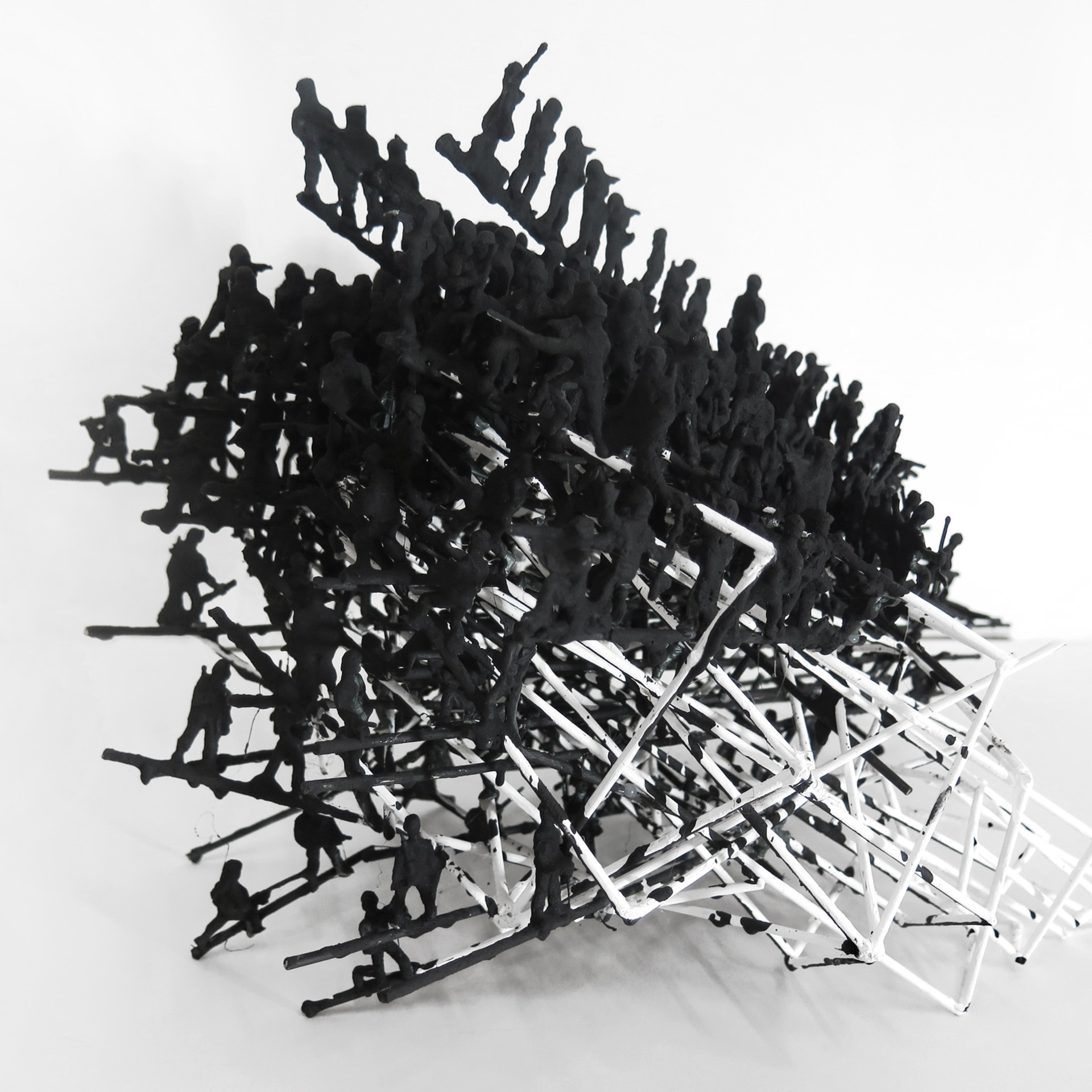 Imprints, 2016. Straw, plastic figurines, plaster and acrylic. 30 x 30 x 60 cm. Editions 1-3