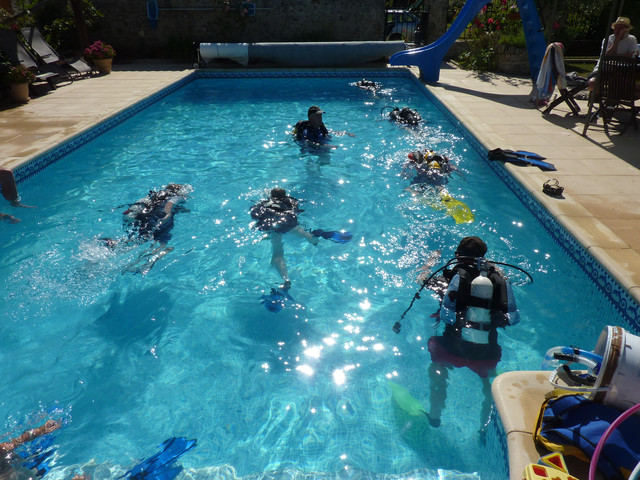 Tuesday morning PADI scuba (July & August) in our pools.