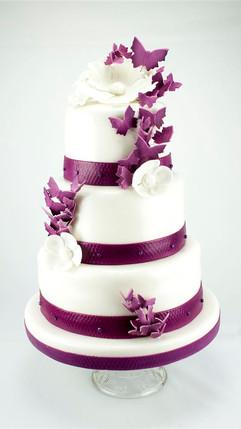 Hochzeitstorte in Violett.jpg