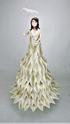 Hochzeitstorte Lady in Gold.jpg