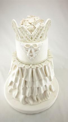 Hochzeitstorte_in_weißem_Kleid_aus_Zucke