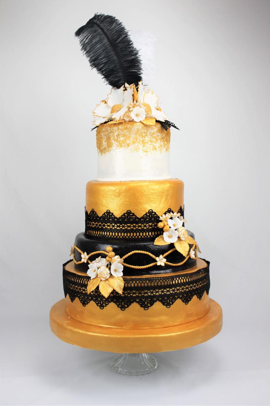Hochzeitstorte In Gold Weiss Schwarz