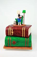 Motivtorte Bücher mit Tortenfigur