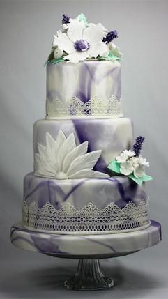 Hochzeitstorte Lavendel.jpg