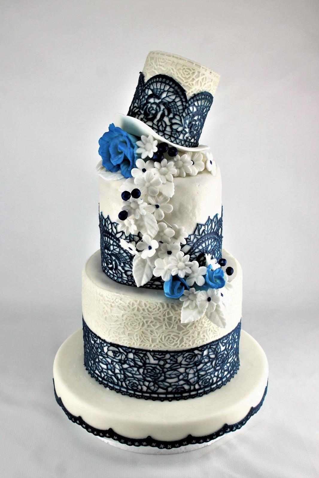 Hochzeitstorte Blau Und Weiss Mit Hut