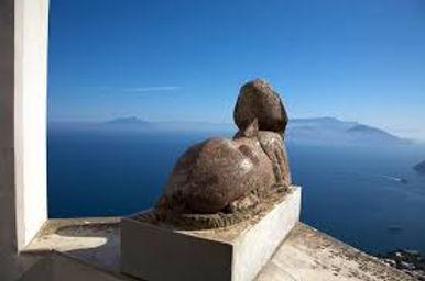 sphinx of Villa San Michele.jpg