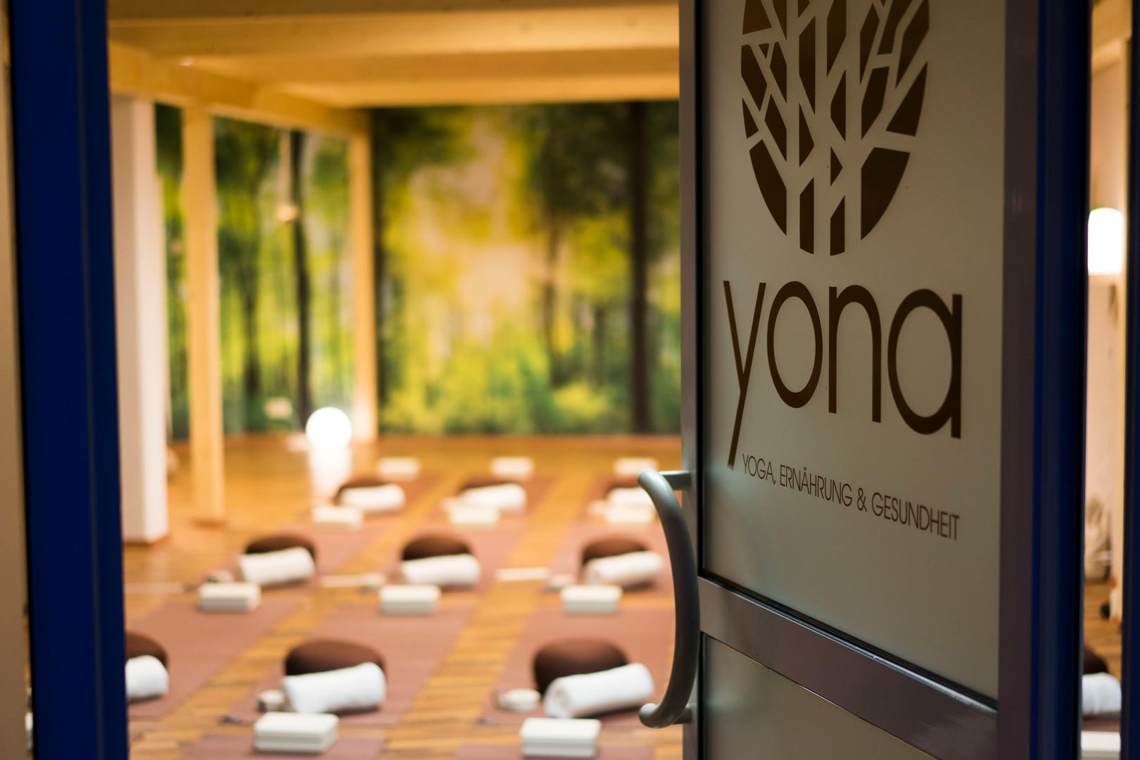 Yona Eingang.JPG