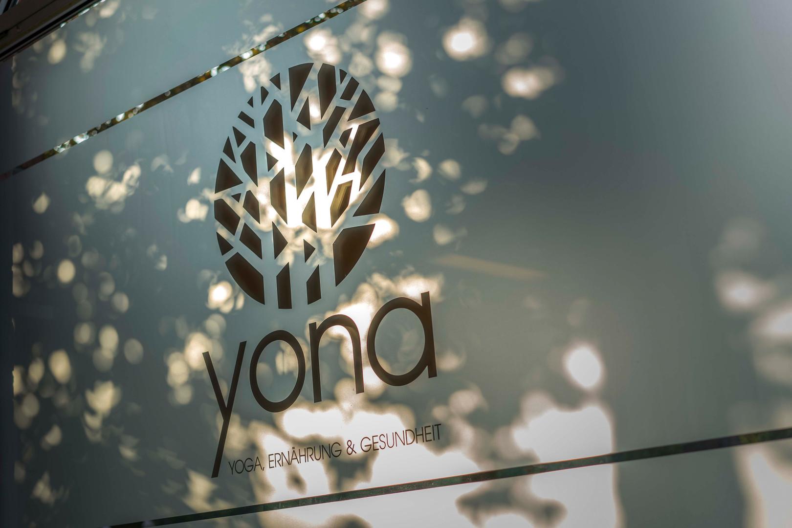 Yona_Außen_2.JPG