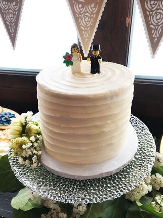Small Wedding Cutting Cake
