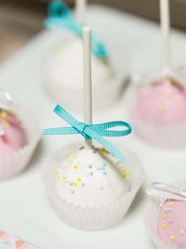 Custom Cake Pops