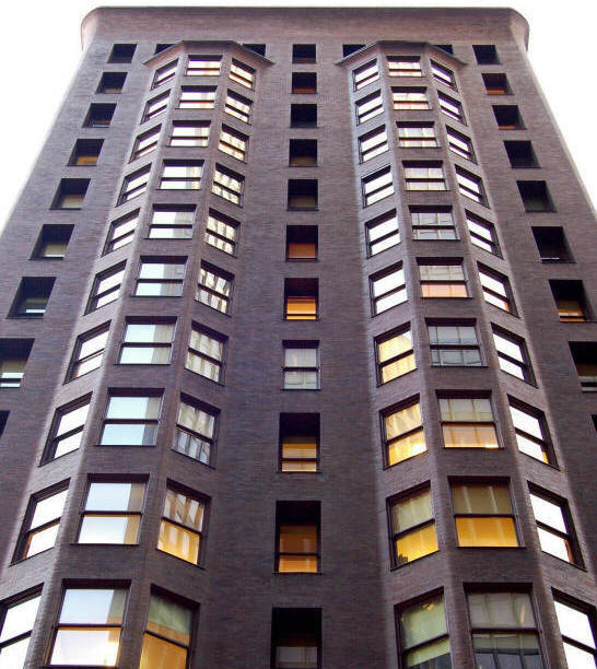 Thew monadnock Building, 16 stories of laod bearing brick