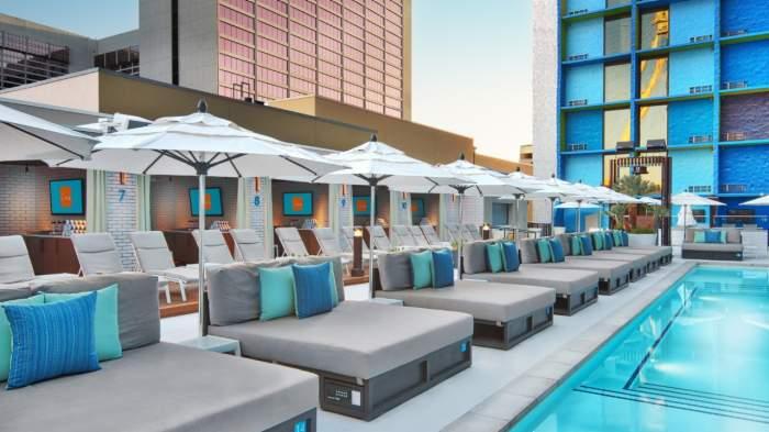 Linq Pool Chairs