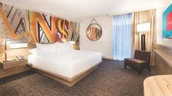 Linq Room