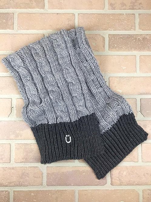 Carspünk Shades of grey heavy knit scarf.