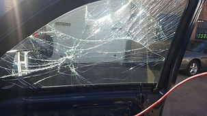 picture of broken car door glass