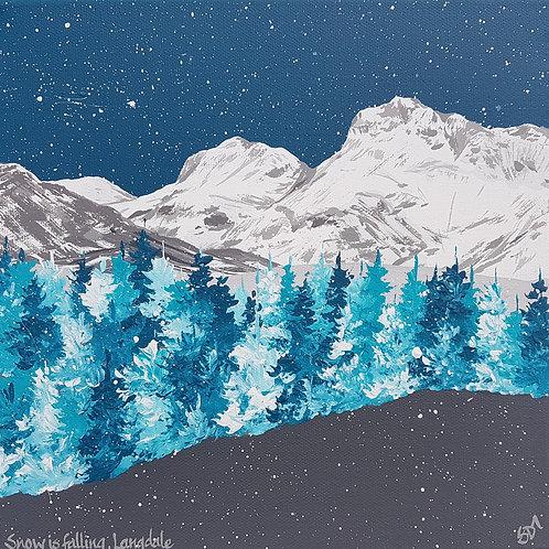 Snow is falling, Langdale
