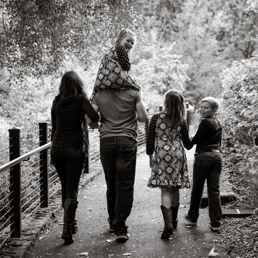 Family6bw