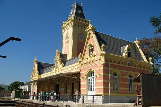 estacao-ferroviaria-luciano-dinamarco-e1