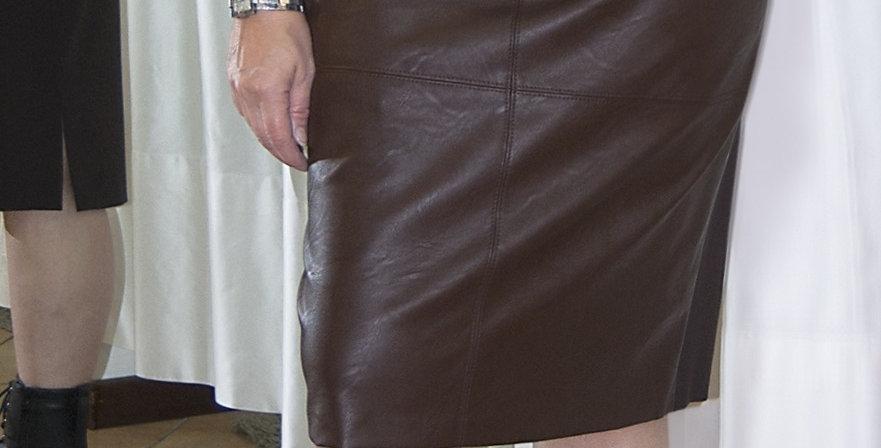 Gonna ecopelle e tessuto elasticizzato, nei colori nero e marrone