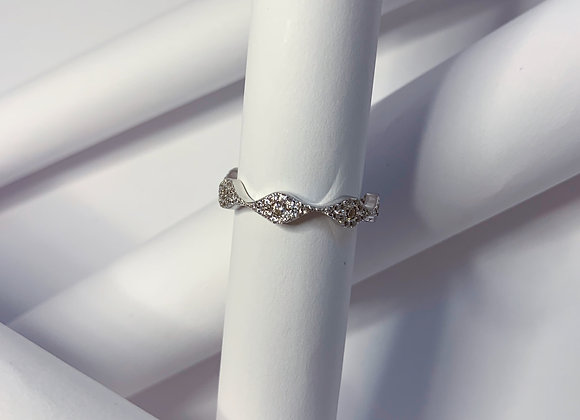 Wave pave ring