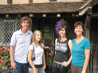 Monteith family at Shakespeare house.jpg