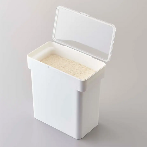Yamazaki Home - Airtight Food Container with Measuring Cup