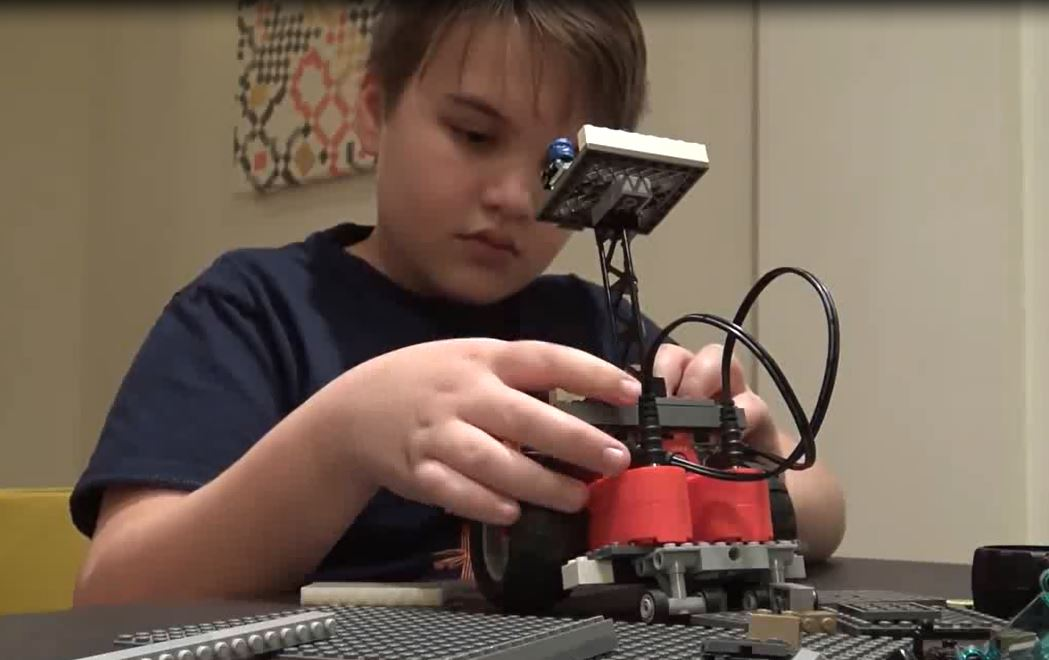 kid making robot