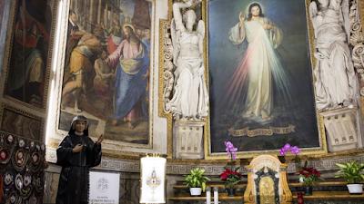 """Francisco, Karol e a Divina Misericórdia: para quem sofre """"neste momento difícil"""""""